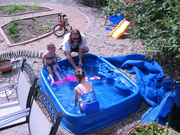 09jul05_paddling_pool